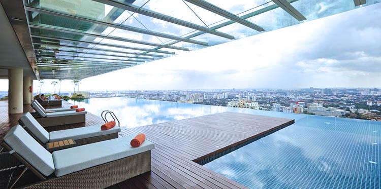 capri by fraser residencia en kuala lumpur terraza y piscina
