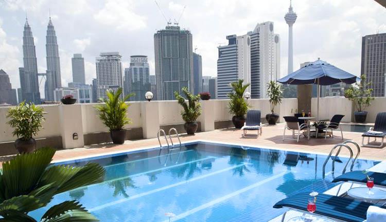 The Regency Hotel Kuala Lumpur terraza
